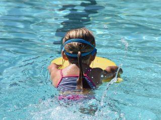 young swimmer 2494904 1920 320x240 ¿Cómo actuar ante una parada cardíaca súbita ?